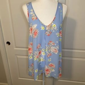 Candies sleeveless blouse with bow accent on back